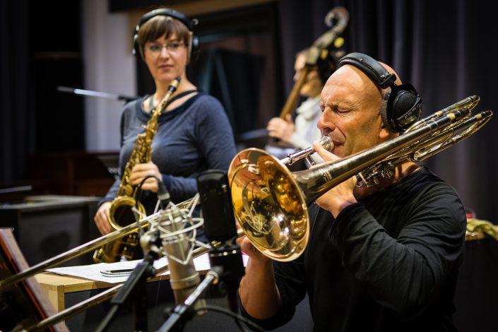 Geoffroy De Masure (tb), Silke Eberhard (Alt Saxophon - Klarinette)-Ternion Quartett