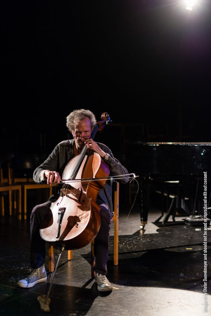 Tristan Honsinger (cello)