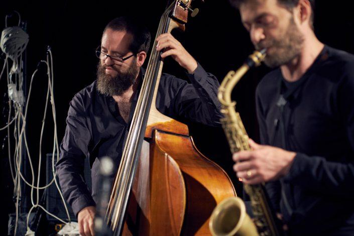 Robert Landfermann (b), Christian Weidner (sax)