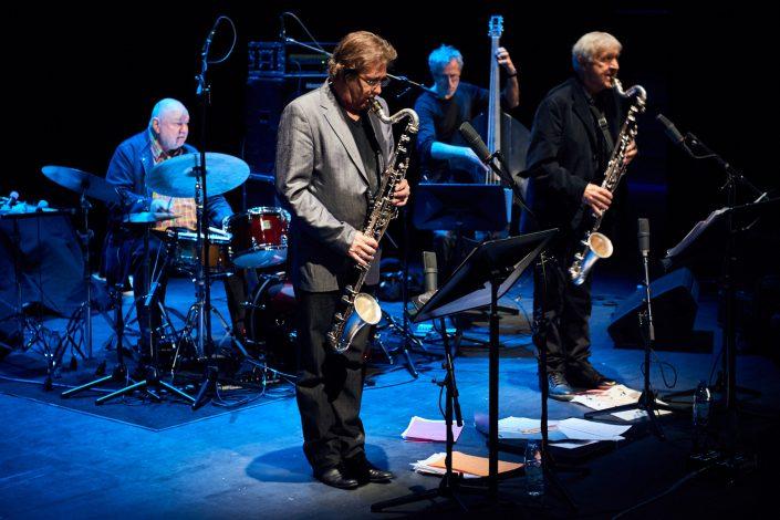 Louis Scalvis (b-cl / sax), Michel Portal (b-cl / sax), Bruno Chevillon (b), Daniel Humair (dr)