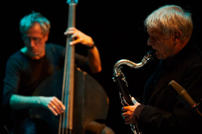 Michel Portal (b-cl / sax), Bruno Chevillon (b)