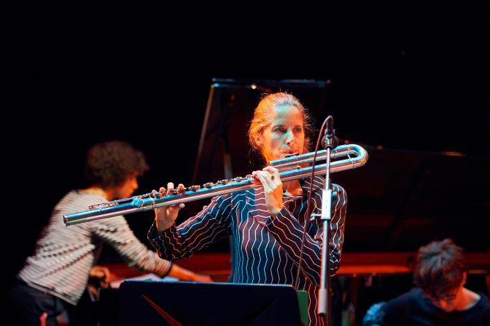 SABINE VOGEL (flute)