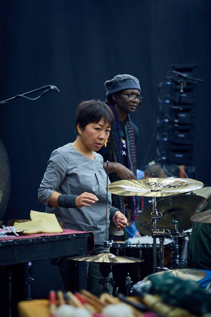YUKO OSHIMA (dr / voice), HAMID DRAKE (dr)