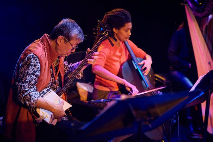 TATSU AOKI (b / shamisen / taiko), TOMEKA REID (cello / banjo)
